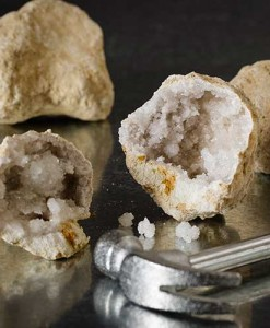 Naked Geodes